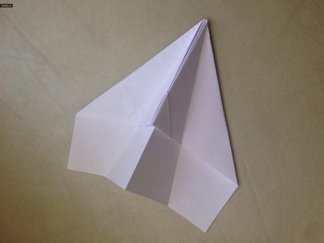 простой самолетик из бумаги