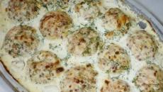 Тефтельки с сырной начинкой в соусе